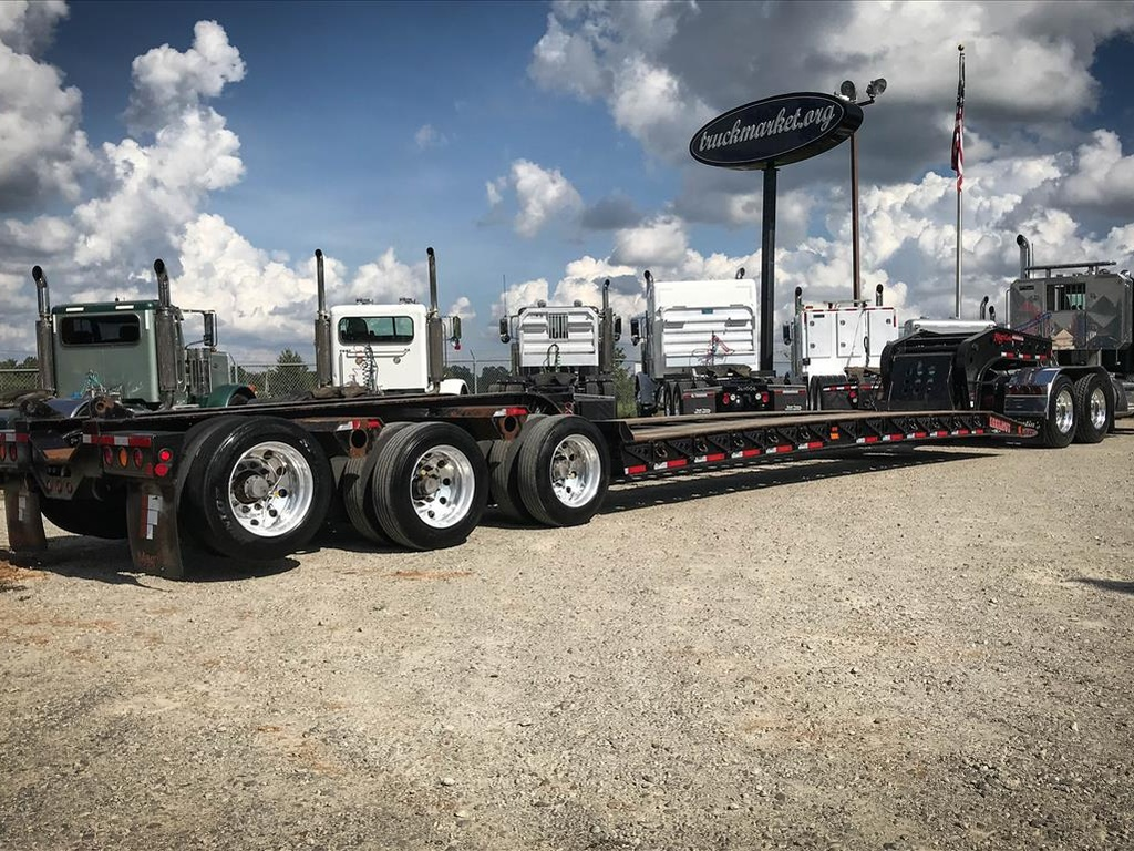 USED 2013 FONTAINE MAGNITUDE 51 LOWBOY TRAILER #132105