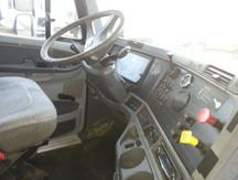 USED 2005 FREIGHTLINER CL12064ST TANDEM AXLE SLEEPER TRUCK #8409-5
