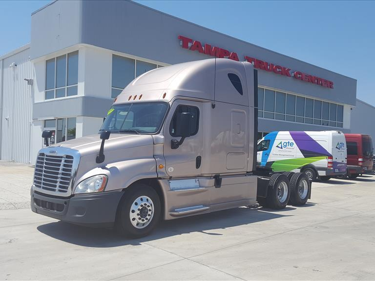 USED 2013 FREIGHTLINER CASCADIA 125 SLEEPER TRUCK #1549