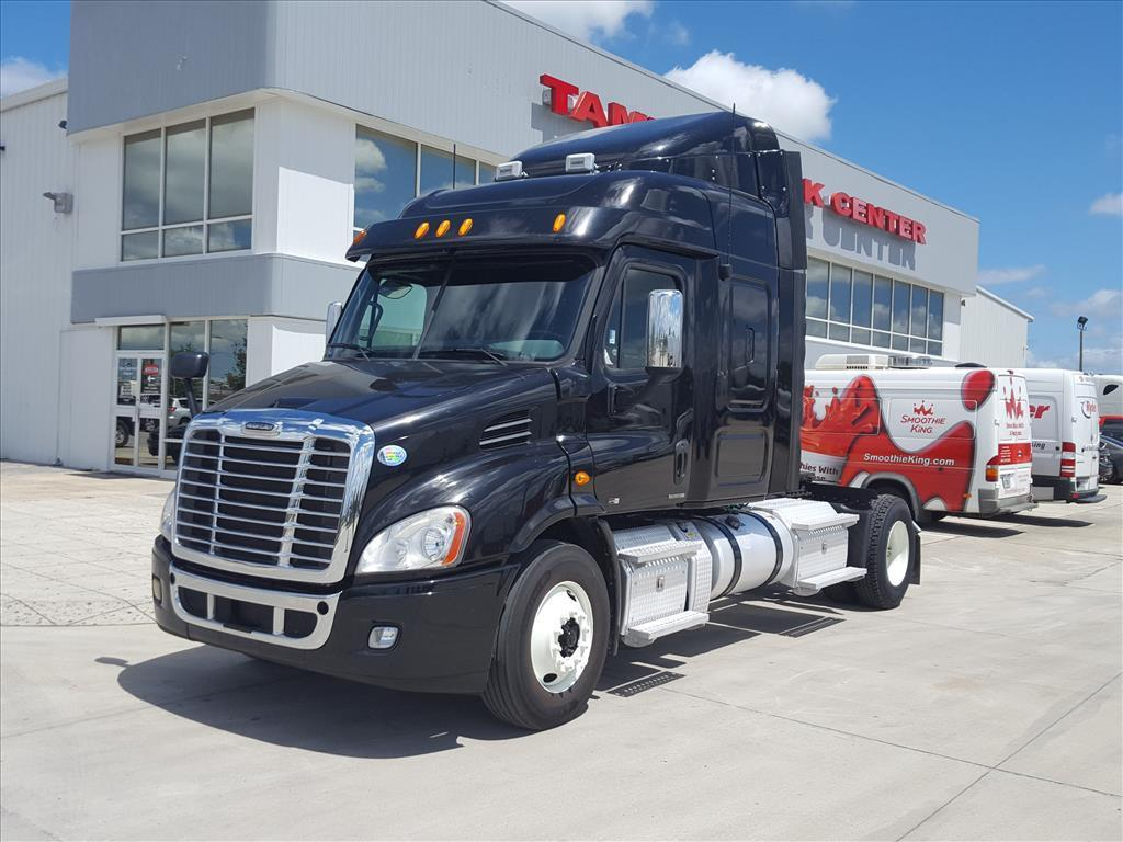 USED 2012 FREIGHTLINER CASCADIA 113 SLEEPER TRUCK #1596