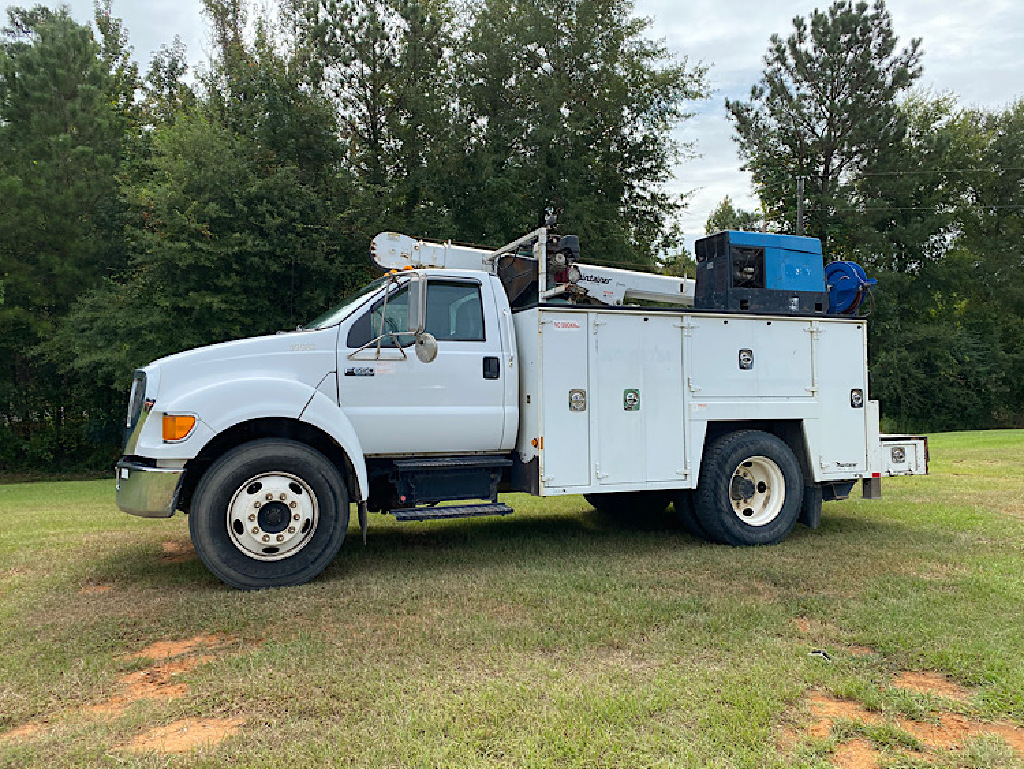 USED 2007 FORD F650 SERVICE - UTILITY TRUCK #4032