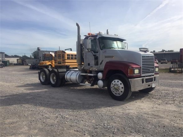 USED 2009 MACK CH613 DAYCAB TRUCK #1592