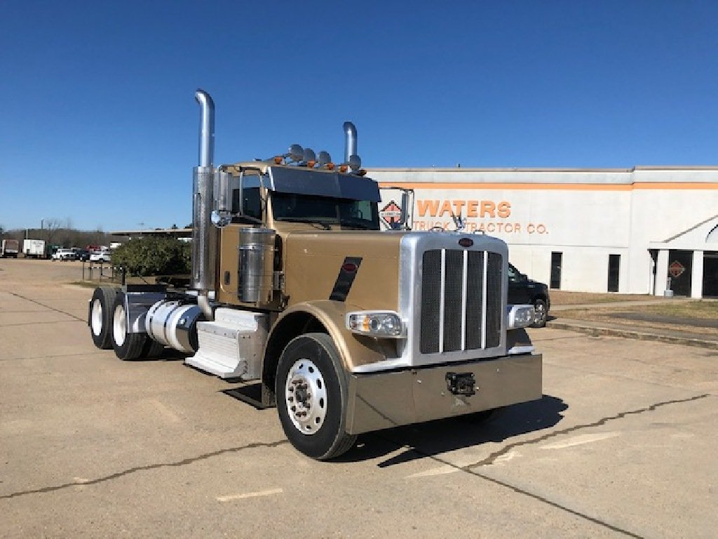 USED 2012 PETERBILT 389 DAYCAB TRUCK #1656