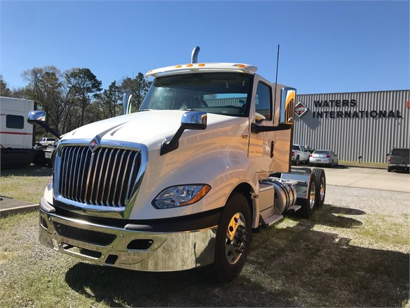 NEW 2019 INTERNATIONAL LT DAYCAB TRUCK #1674