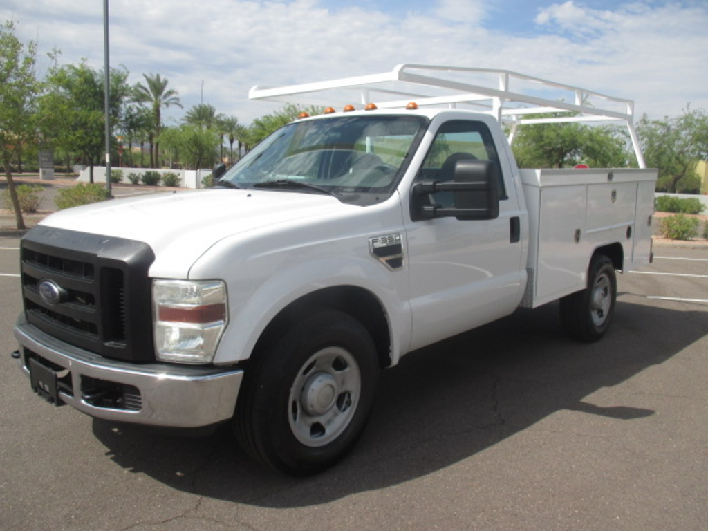 USED 2008 FORD F350 SRW SERVICE - UTILITY TRUCK #2235