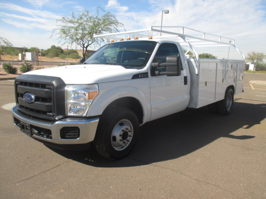 USED 2015 FORD F350 SERVICE - UTILITY TRUCK #2271