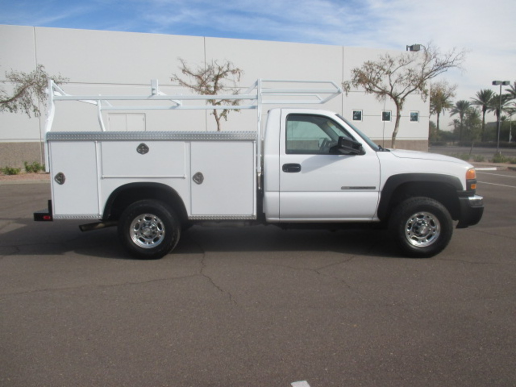 Used 2004 Gmc Sierra 2500hd Service Utility Truck For
