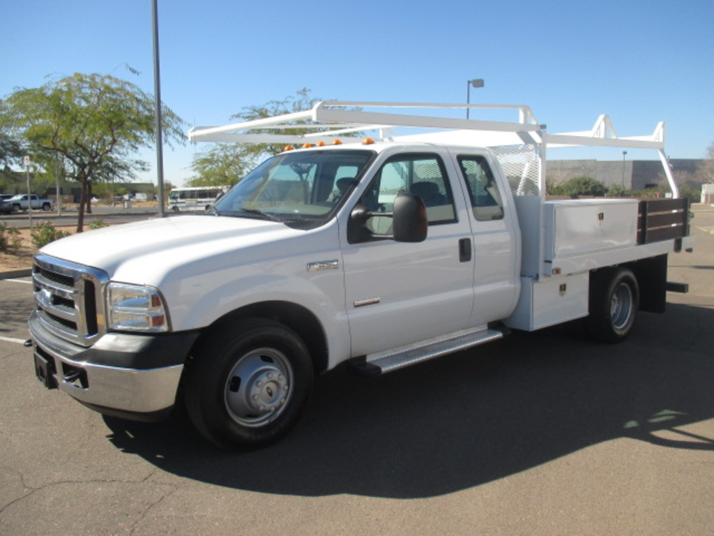 USED 2006 FORD F350 FLATBED TRUCK #2305