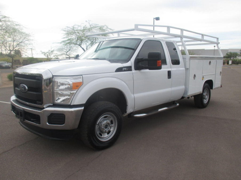 USED 2016 FORD F250 SERVICE - UTILITY TRUCK #2321