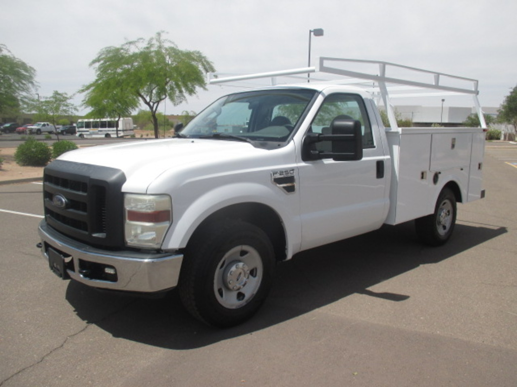 USED 2008 FORD F250 SERVICE - UTILITY TRUCK #2324