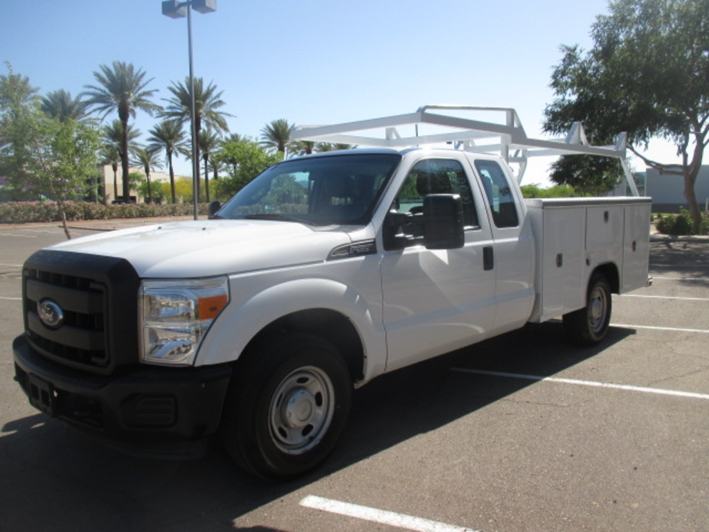 USED 2013 FORD F250 SERVICE - UTILITY TRUCK #2325