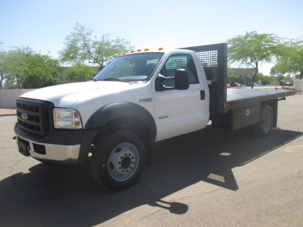 USED 2006 FORD F550 FLATBED TRUCK #2335