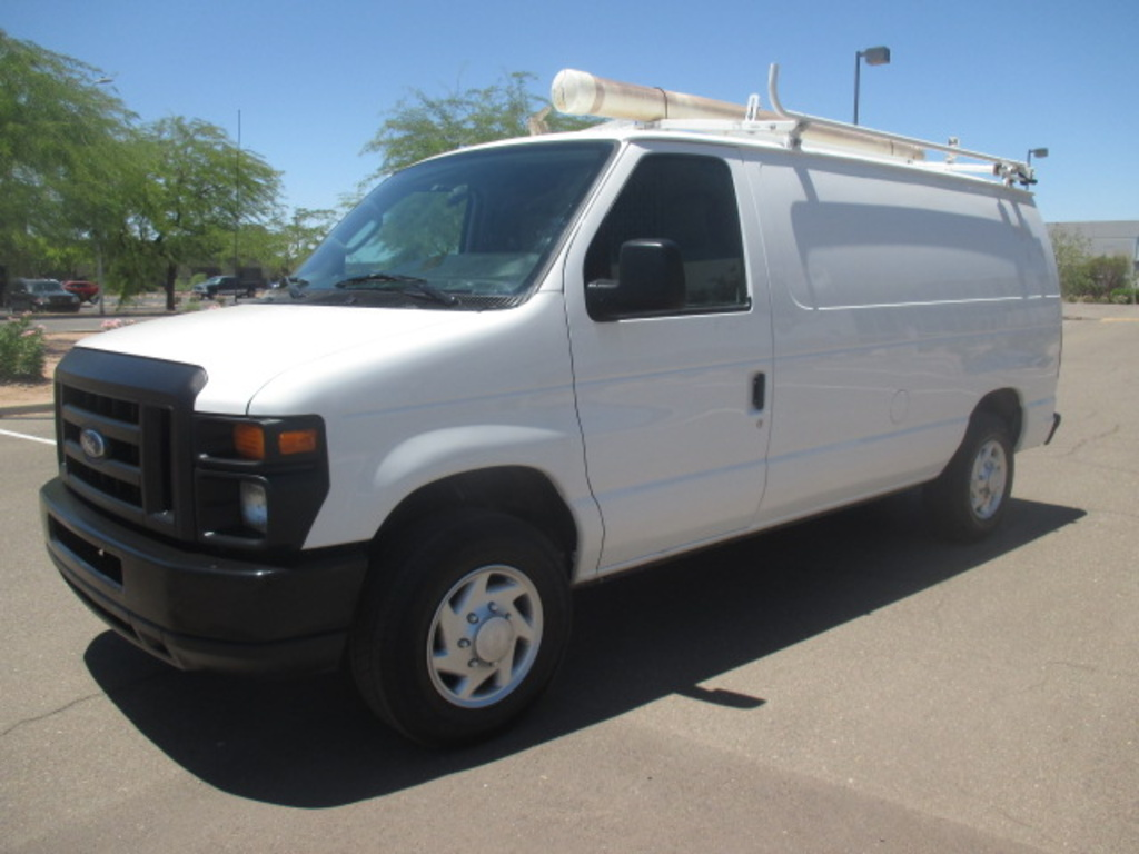 USED 2010 FORD E150 PANEL - CARGO VAN TRUCK #2339