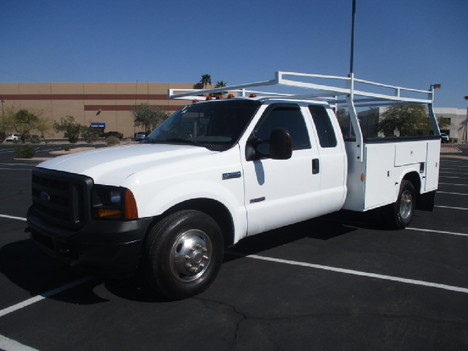 USED 2006 FORD F350 SERVICE - UTILITY TRUCK #2523-1