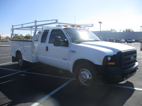 USED 2006 FORD F350 SERVICE - UTILITY TRUCK #2523-3