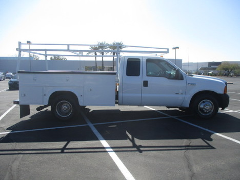 USED 2006 FORD F350 SERVICE - UTILITY TRUCK #2523-4