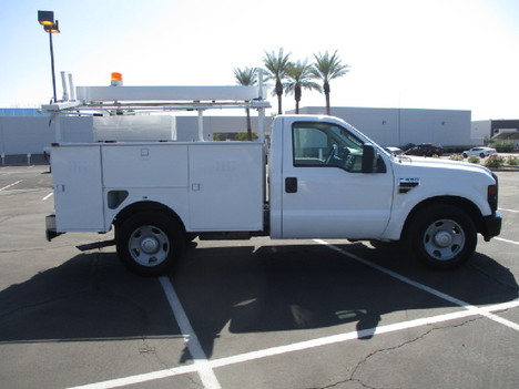 USED 2008 FORD F350 SERVICE - UTILITY TRUCK #2526-4