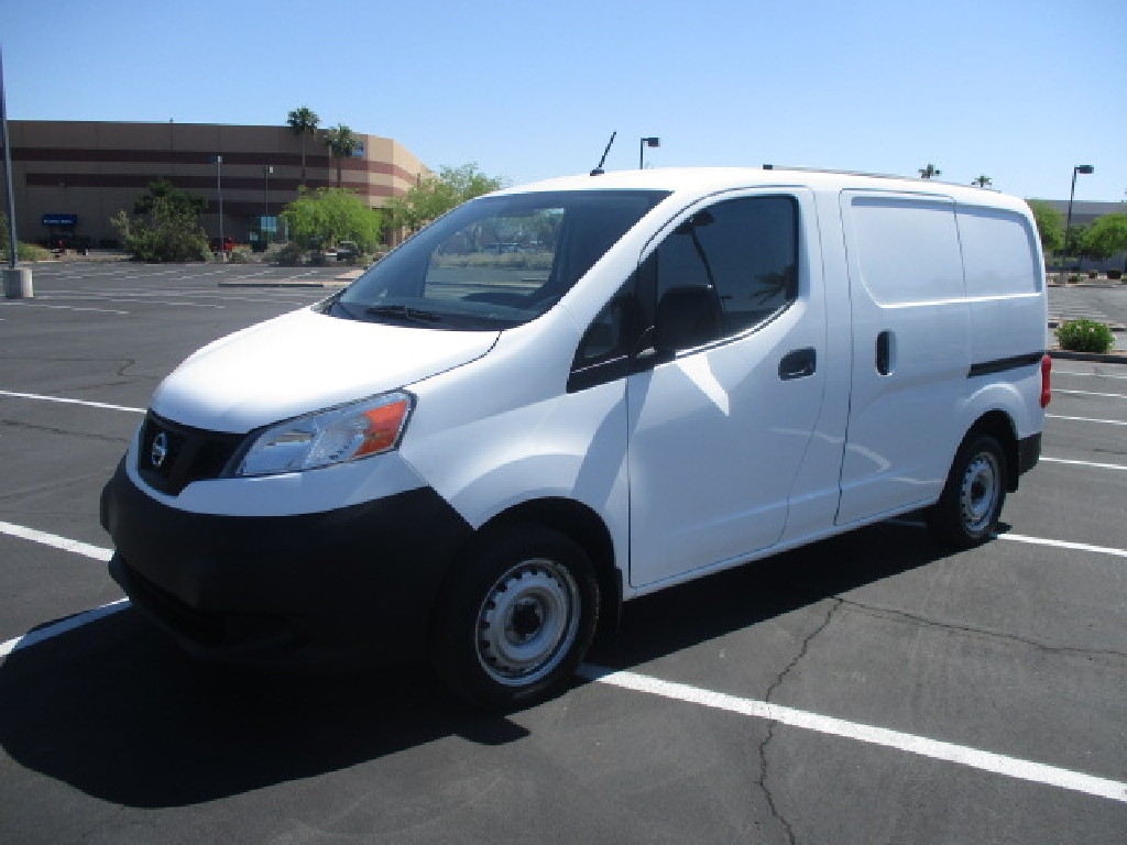 USED 2016 NISSAN NV200 PANEL - CARGO VAN TRUCK #2542